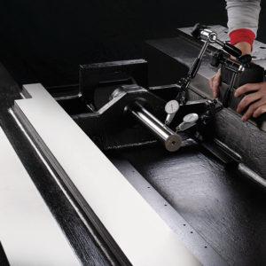Toyoda FV1680 - D and R Machinery - Arizona CNC Machine Tools